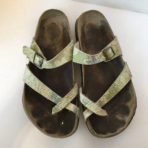 Birkenstock birkis sandals green pattern size 9